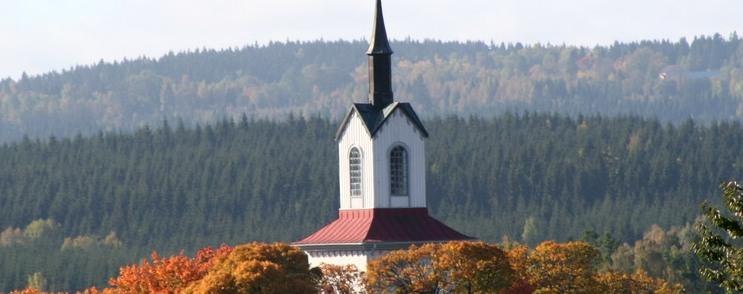 Kölingareds kyrka - höst